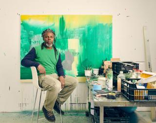 Hurvin Anderson in his studio. Photo: Sebastian Nevols. © Hurvin Anderson. Courtesy the artist and Thomas Dane Gallery.