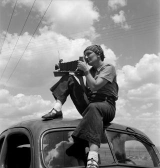 Paul S. Taylor. Dorothea Lange in Texas on the Plains, c1935. © The Dorothea Lange Collection, the Oakland Museum of California.
