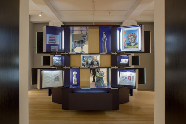 Wunderkammer (Cabinet of Wonder), Ages of Wonder – Scotland's Art 1540 to Now, installation view,
