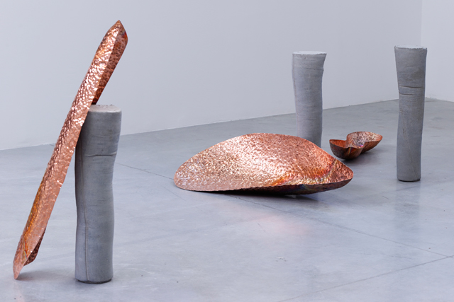 Marie Lund. Attitudes, 2014 (concrete legs) and Vase, 2017 (copper). Exhibition view, Palais de Tokyo, Paris, 2017. Photograph: Aurélien Mole.