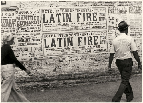 Ever Astudillo. Latin Fire series, 1978. Gelatin silver print, 12.5 x 9 cm. Vintage print. Private collection, courtesy Toluca Fine Art, Paris. © Ever Astudillo.