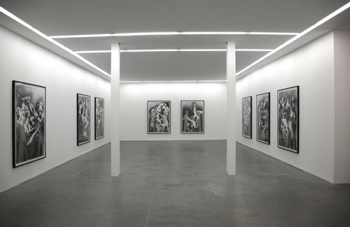 Bottom: Installation view. Courtesy Yvon Lambert Paris. 
