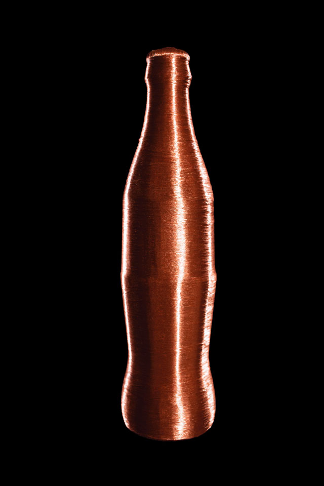 Alice Anderson. Coke Bottle, 2013. Copper wire, 20.5 x 6 cm. Courtesy of the artist.