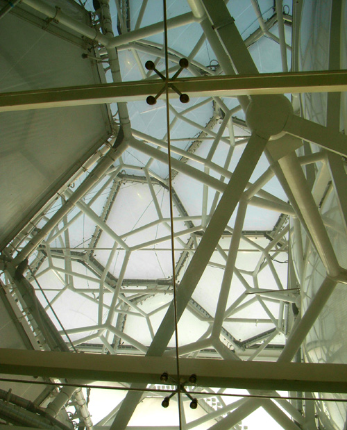 Close-up view of the ETFE roof cavity, exposing the molecule-like structural framing around which the EFTE fabric is stretched on.