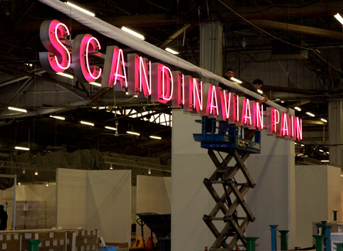 Ragnar Kjartansson. <em>Scandinavian Pain (Neon)</em>, 2006-2012. Installation view, The Armory Show 2012. Courtesy of the artist, Luhring Augustine and i8 Gallery, Reykjavik.
