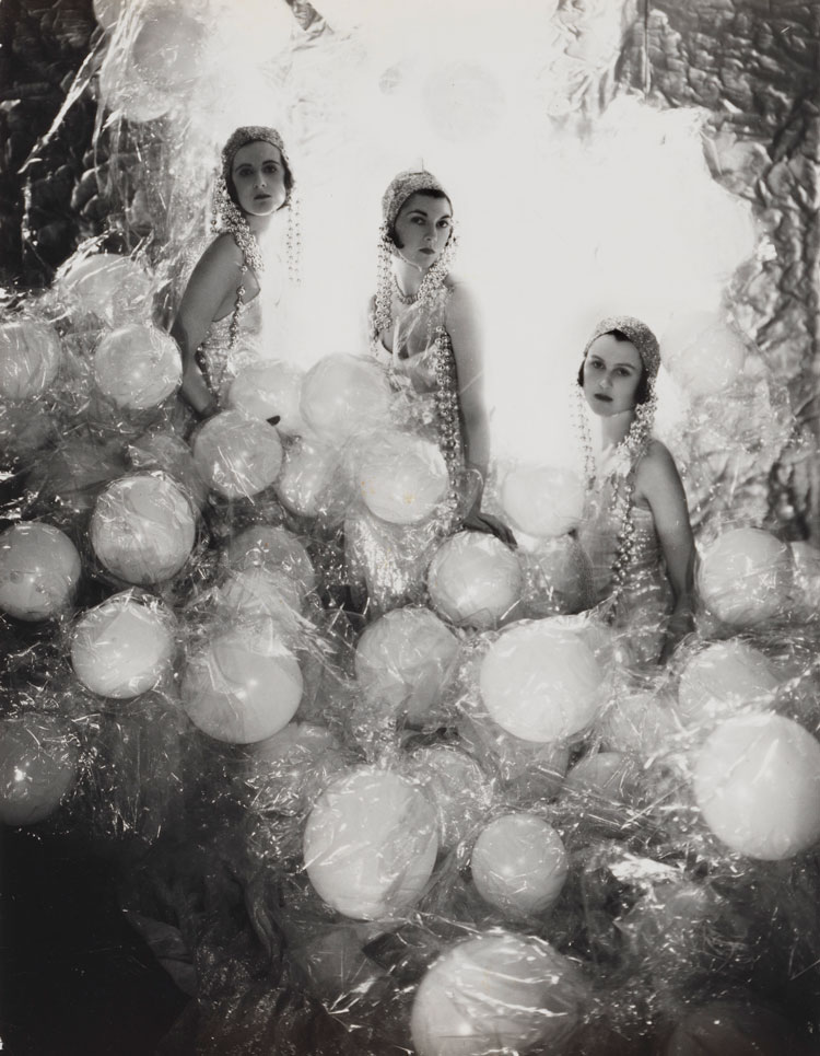 The Silver Soap Suds (L to R: Baba Beaton, the Hon. Mrs Charles Baillie-Hamilton and Lady Bridget Poulett) by Cecil Beaton, 1930. © The Cecil Beaton Studio Archive.