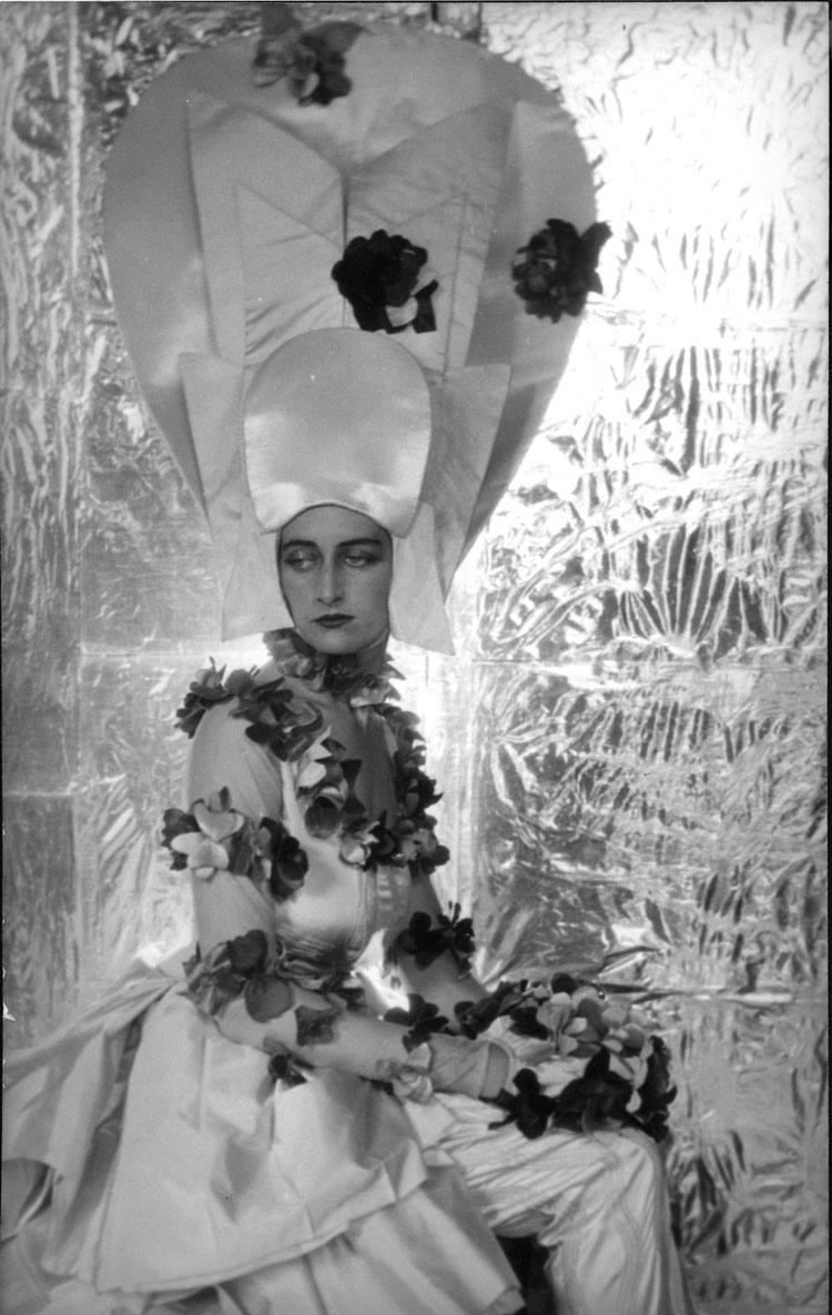 Maxine Freeman-Thomas dressed for Ascot in the year 2000 for the Dream of Fair Women Ball by Cecil Beaton, 1928. © The Cecil Beaton Studio Archive.
