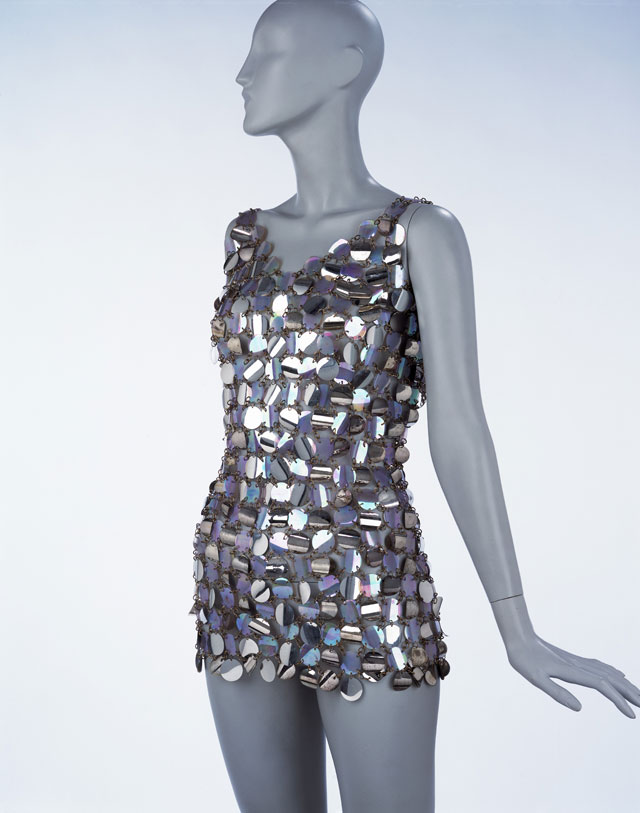 Evening mini-dress, metal wire and plastic pailettes, Paco Rabanne, Paris, 1967. © Victoria and Albert Museum, London.