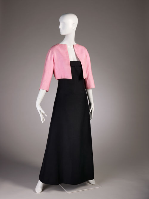Cristobal Balenciaga. Evening ensemble with dress of black zibeline and bolero of pink gazar, summer 1968.  Fine Arts Museums of San Francisco, the Eleanor Christensen de Guigne Collection (Mrs. Christian de Guigne III), gift of Ronna and Eric Hoffman. Photo by Joe McDonald/Fine Arts Museums of San Francisco.