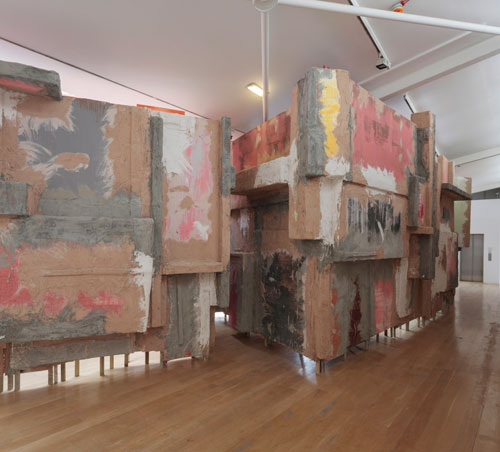 Phyllida Barlow. Set, installation view (2). Courtesy the artist and Hauser & Wirth. Photograph: Ruth Clark.