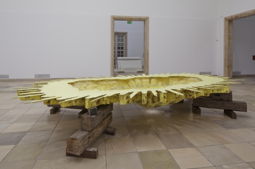 Matthew Barney. Trans America, 2014. Cast sulfur, epoxy resin, and wood, 36 × 120 × 170 in, courtesy Laurenz Foundation, Schaulager, Basel, installation view of Matthew Barney: RIVER OF FUNDAMENT at Haus der Kunst, 2014. Photograph: Maximilian Geuter.