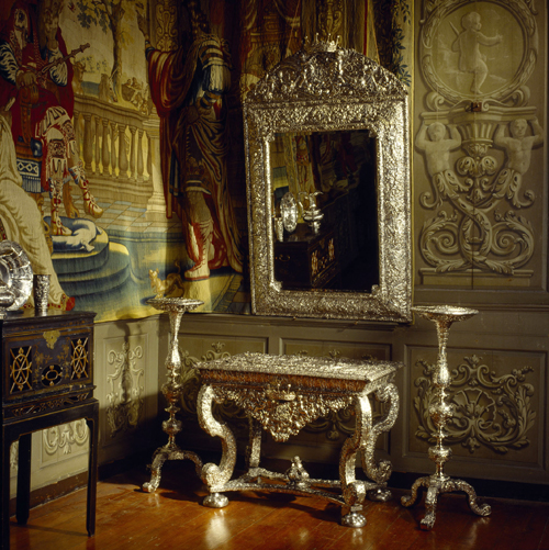Silver mirror, table and stands, Gerrit Jensen, London, 1676-81. © NTPL/Andreas von Einsiedel