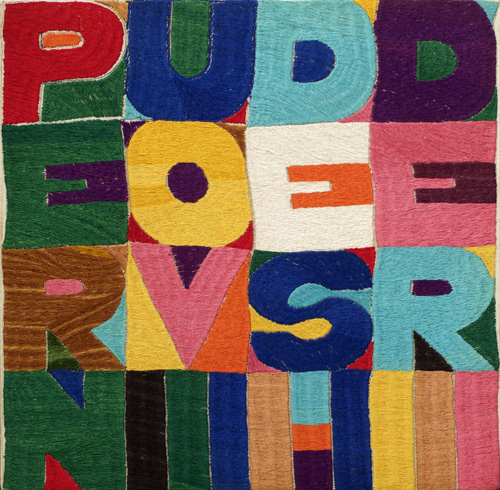 Alighiero Boetti. Per nuovi desideri, 1977. Embroidery on fabric, 29.5 x 30.5 cm. Courtesy Mazzoleni London.