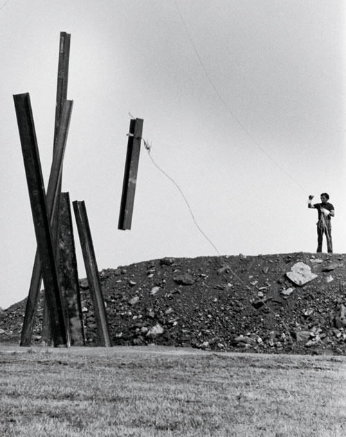Chris Burden. Beam Drop, 1984. Art Park, Lewiston, NY. Photograph: Chris Burden.