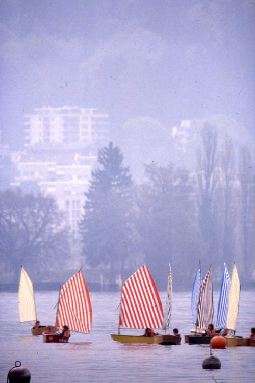 Daniel Buren. <em>Voile/Toile - Toile/Voile. </em>Regatta on Lake Four Cantons, Lucerne, Switzerland. 3 May 1980. Detail. © DB & ADAGP.
