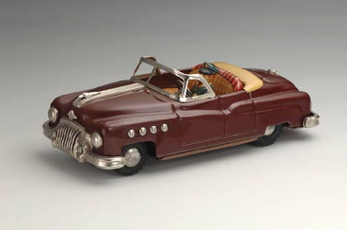 General Motors Buick Four-Door Convertible, 1950. 10 3/4 x 4 3/4 x 4 1/4 in. (27.5 x 12 x 11 cm). Yoku Tanaka Collection. Photo: Tadaaki Nakagawa.