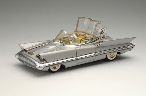 Ford Lincoln Futura show car, 1955; with battery-powered lights. 11 x 7 3/4 x 3 1/4 in. (28 x 12 x 8.5 cm). Alps Shoji. Yoku Tanaka Collection. Photo: Tadaaki Nakagawa.
