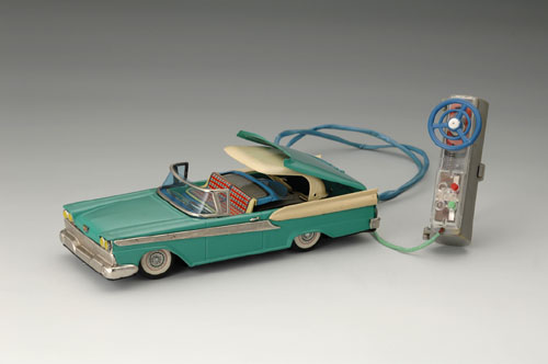 Ford Fairlane 500 Skyliner Two-Door Convertible with retractable hardtop, 1959; with battery-powered motor and remote control. 11 x 4 1/2 x 2 3/4 in. (28 x 11.5 x 7 cm). Manufactured for Cragstan Corporation, New York. Yoku Tanaka Collection. Photo: Tadaaki Nakagawa.