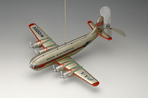 Boeing 377 Stratocruiser, late 1950s–early1960s. 17 3/4 x 20 7/8 x 5 7/8 in. (45 x 53 x 15 cm). Nikko Gangu Kogyo. Yoku Tanaka Collection. Photo: Tadaaki Nakagawa.