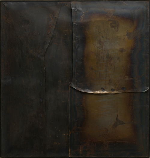 Alberto Burri. Grande ferro M 4 (Large Iron M 4), 1959. Welded iron sheet metal and tacks on wood framework, 199.8 x 189.9 cm. Solomon R. Guggenheim Museum, New York 60.1572. © Fondazione Palazzo Albizzini Collezione Burri, Città di Castello/2015 Artist Rights Society (ARS), New York/SIAE, Rome. Photograph: Kristopher McKay © Solomon R. Guggenheim Foundation, New York.