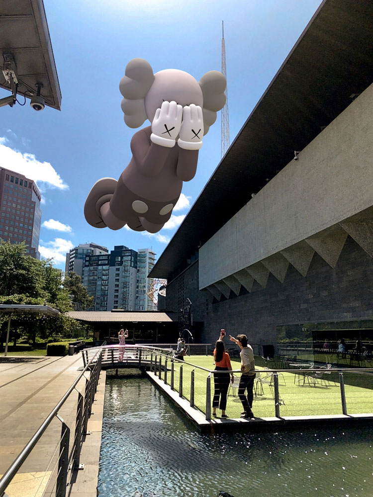 KAWS, COMPANION (EXPANDED) in Melbourne, 2020. Augmented reality. Courtesy: KAWS and Acute Art.  Viewable with the Acute Art app 12-26 March 2020.