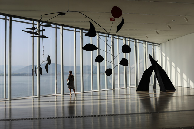 Calder Stories, installation view, Centro Botín. Photo: Belén de Benito.