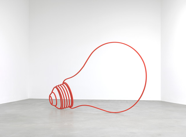 Michael Craig-Martin. Bulb (red), 2011. Powder-coated steel, 79 1/8 x 131 1/8 x 1 in (201 x 333 x 2.5 cm). © Michael Craig-Martin. Photo: Lucy Dawkins. Courtesy the artist and Gagosian.