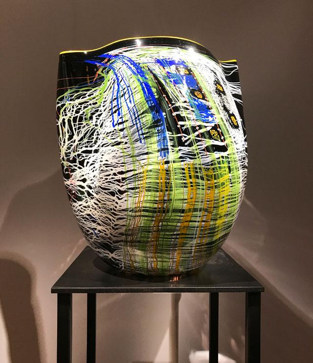 Dale Chihuly. Black Cobalt Soft Cylinder with Goldenrod Lip Wrap, blown glass, 2006. Royal Botanic Gardens, Kew, London 2019. Photo: Anna McNay.