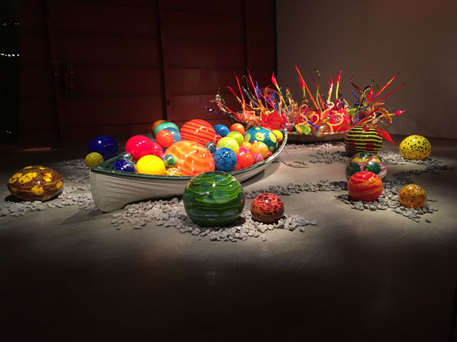 Dale Chihuly. Fiori Boat, 2017 and Float Boat, 2018. Installation view, Groninger Museum. Photo: Veronica Simpson.