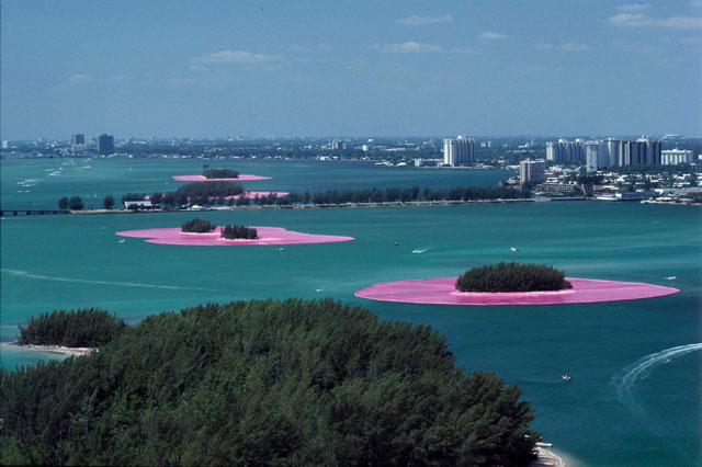 Christo and Jeanne-Claude. Documentary photograph of Surrounded Islands, Biscayne Bay, Greater Miami, Florida, 1980–83. Woven polypropylene fabric surrounding 11 islands, Styrofoam, steel cables, and anchoring system, 6.5 million sq ft of fabric overall. Photo: Wolfgang Volz © Christo 1983.