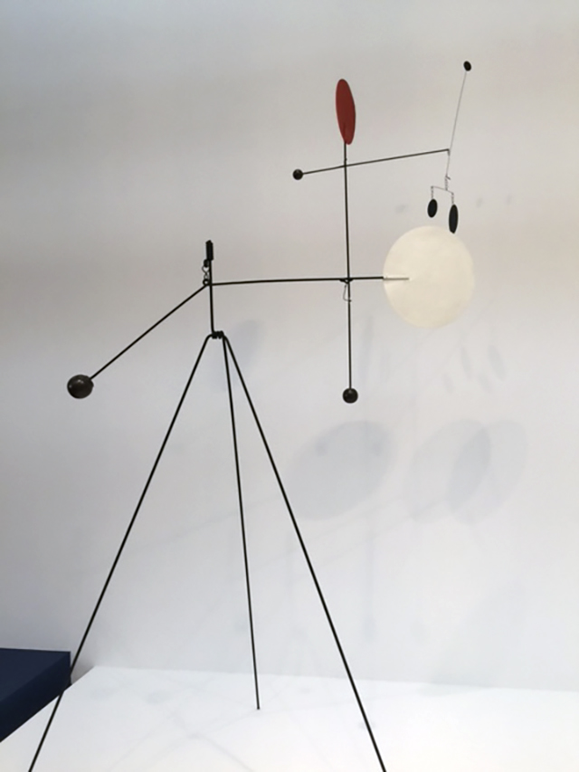 Alexander Calder. Red, White, Black and Brass, 1934. Sheet metal, rod, wire, brass, and paint, 113 × 68 × 53 in (287 × 172.7 × 134.6 cm). Calder Foundation, New York; promised gift of Alexander S. C. Rower. Photograph: Jill Spalding.