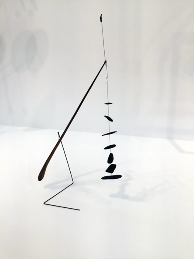 Alexander Calder. Untitled, 1942. Wood, wire, glass, and string, 52 3/4 × 26 × 12 in (134 × 66 × 30 cm). © 2017 Calder Foundation. Photograph: Jill Spalding.