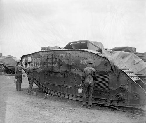 Camouflaging a tank, First World War Imperial War Museum
