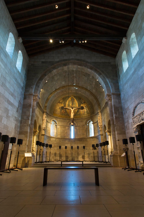 Janet Cardiff. The Forty Part Motet, 2001. View 3. Fuentidueña Chapel at The Cloisters museum and gardens. Image: The Metropolitan Museum of Art/Wilson Santiago.