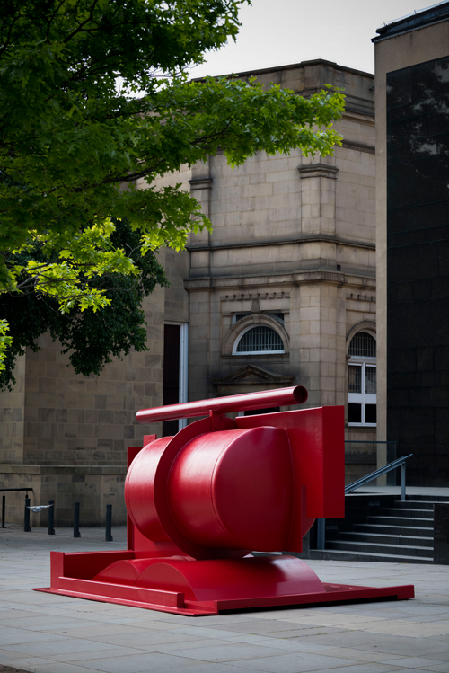 Anthony Caro. Aurora, 2000-03. Installation view outside Leeds Art Gallery and the Henry Moore Institute. Image courtesy of Barford Sculptures Ltd.