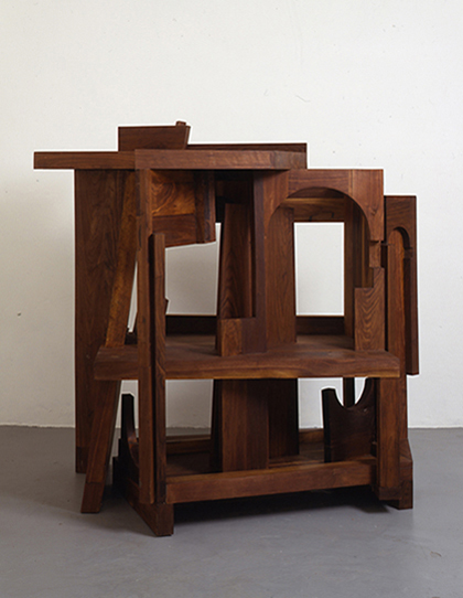 Sir Anthony Caro. Duccio Variations No. 3, 1999–2000. Walnut. H180 x W162 x D120 cm. On loan with permission from the Caro family. © Barford Sculptures Ltd.