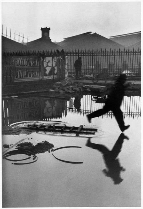 Henri Cartier-Bresson. Derrière la gare Saint-Lazare, Paris, France, 1932. Bibliothèque nationale de France, Paris