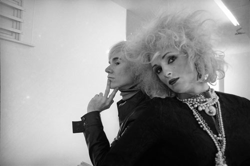 Cecil Beaton. <em>Andy Warhol and Candy Darling, New York City,</em> 1969. &copy; Cecil Beaton Studio Archive at Sotheby&rsquo;s. Courtesy Cecil Beaton Studio Archive at Sotheby&rsquo;s.