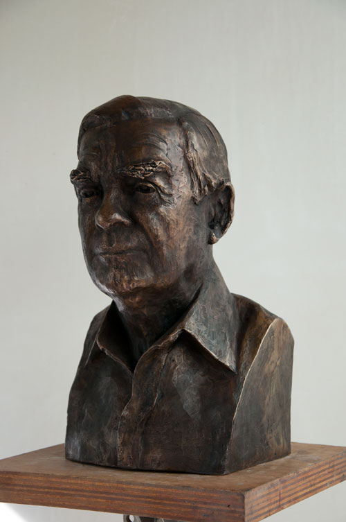 Celia Scott. <em>The Lawyer</em>, 2011. Sitter: David Rowe. Bronze, 43 x 26 x 25 cm. © the artist.