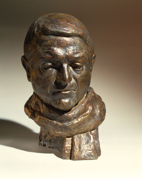 Celia Scott. <em>Man with Scarf</em>, l996. Sitter: Sandy Wilson. Bronze, 33 x 20 x 20 cm. © the artist.