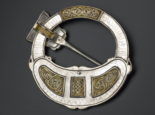 Hunterston brooch (back). Silver, gold and amber. Hunterston, southwest Scotland, AD 700–800. © National Museums Scotland.