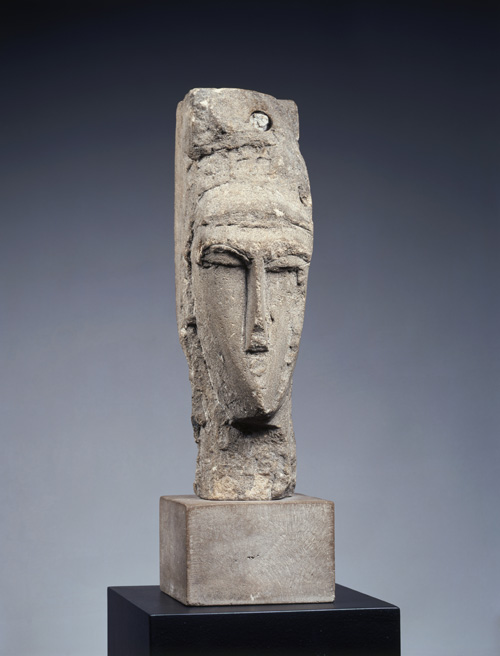 Amedeo Modigliani (1884–1920). Head, 1914. Limestone, 41.8 x 12.5 x 17 cm. © The Henry and Rose Pearlman Collection. Photograph: Bruce M. White.