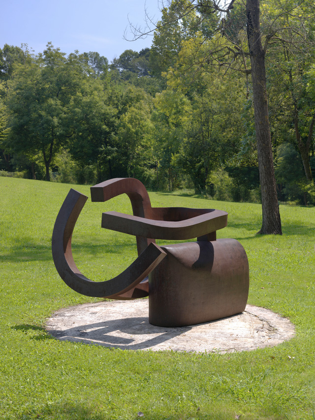 Eduardo Chillida. Peine del viento XIX, 1999. Chillida Belzunce Family Collection © Zabalaga-Leku, DACS, London, 2016.