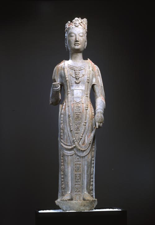 Standing Bodhisattva, Sui dynasty (581-619). Limestone with gilding and pigments. Height: 136cm. Copyright: Mori Art Museum.