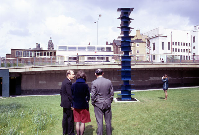 Kenneth Martin. Work for Arundel Gate, Sheffield. Column built with nineteen identically shaped boxes and nineteen identical horizontal planes, height: 5.9 metres. Arnolfini Archive at Bristol Record Office. Photographer unknown.