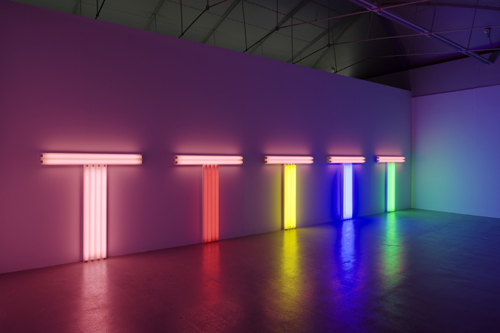 Dan Flavin. 