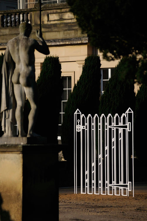 Michael Craig-Martin. Gate (white). © Chatsworth House Trust by permission Michael Craig-Martin.