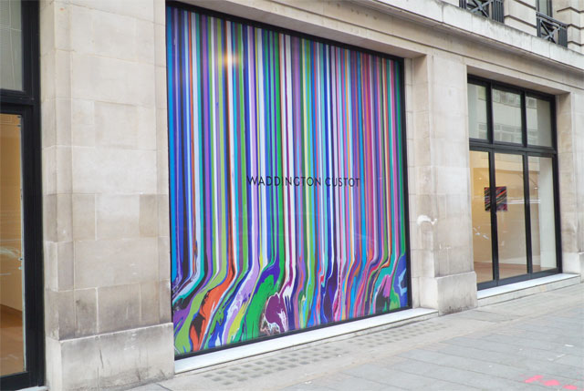 Ian Davenport: Colourscapes, street view, Waddington Custot, London, 20 September – 8 November 2018. Photo: Martin Kennedy.