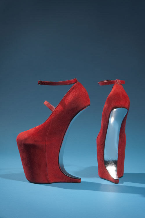 Red suede shoes by Nina Ricci. From the collection of Daphne Guinness, to be featured in the exhibition <em>Daphne Guinness</em>. Photograph courtesy The Museum at FIT.
