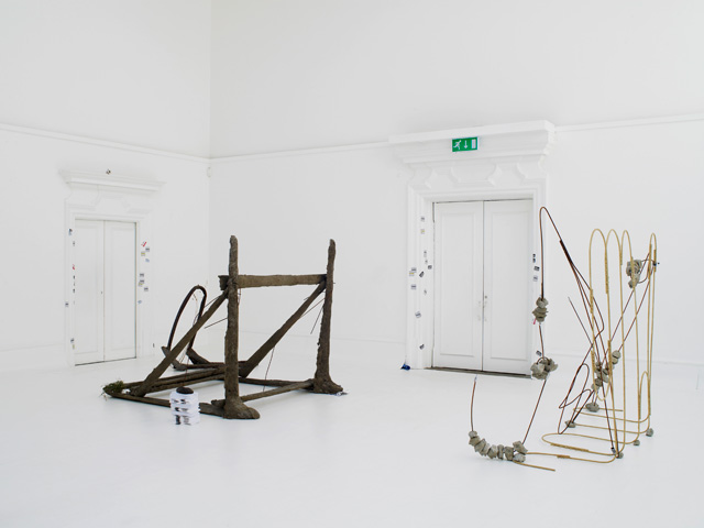 Michael Dean. Sic Glyphs. Installation view (6) at the South London Gallery, 2016. Courtesy the artist, Herald St, London, Mendes Wood DM, Sao Paulo, Supportico Lopez, Berlin. Photograph: Andy Keate.